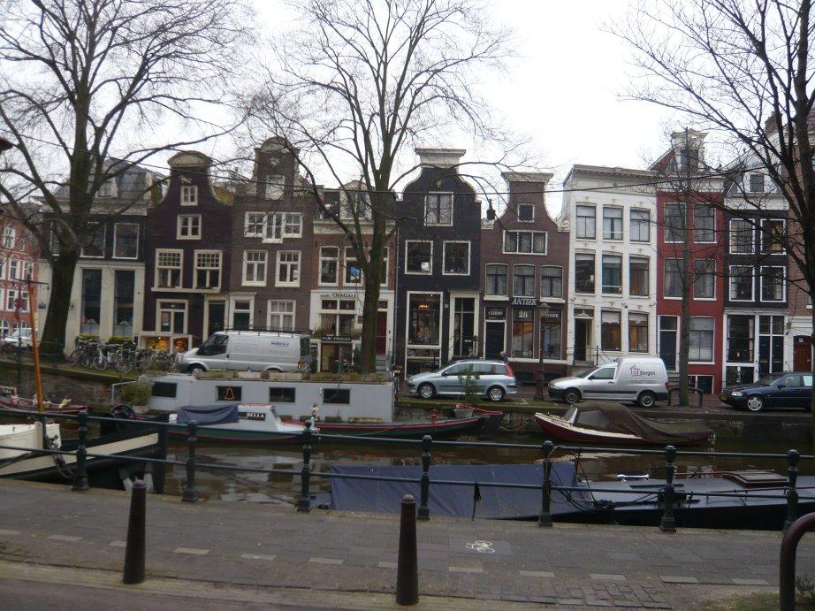 http://mpzga.free.fr/habevol/Amsterdamcanal.jpg