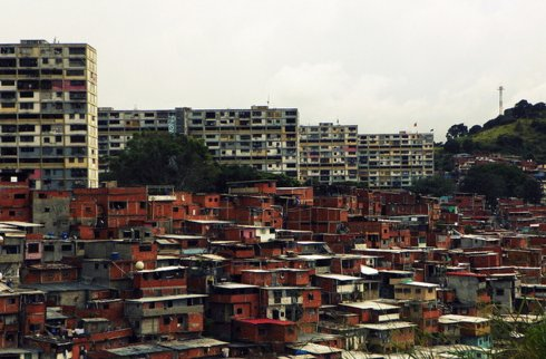 http://mpzga.free.fr/habevol/Caracas_ranchitos.jpg